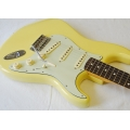 Fender Classic 60s Stratocaster Canary Diamond Blonde